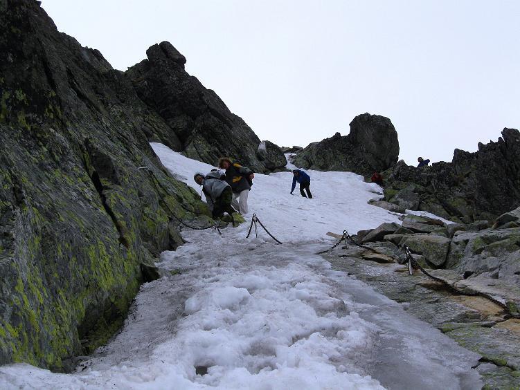 Foto: Andreas Koller / Wander Tour / Swinica (2301m) - Paradegipfel über Zakopane / Die steile Rampe mit Eis im Abstieg / 29.05.2008 22:50:17