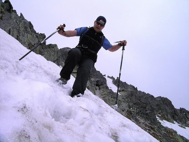 Foto: Andreas Koller / Wander Tour / Swinica (2301m) - Paradegipfel über Zakopane / Abstieg von der Swinica im steilen Schnee / 29.05.2008 22:49:59