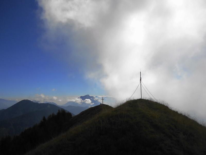 Foto: Günter Siegl / Wander Tour / Über die Graslitzen nach Förolach / Die beiden Gipfelkreuze Graslitzen Ostgipfel / 27.10.2016 23:42:52