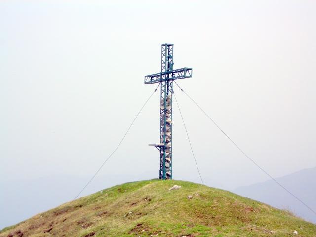 Foto: lacky / Wander Tour / Über die Graslitzen nach Förolach / Gipfelkreuz der Graslitzen auf 2044 m / 30.05.2008 14:46:17
