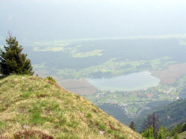 Foto: lacky / Wander Tour / Über die Graslitzen nach Förolach / Blick von der Graslitzen auf dem Presseggersee / 30.05.2008 14:45:43