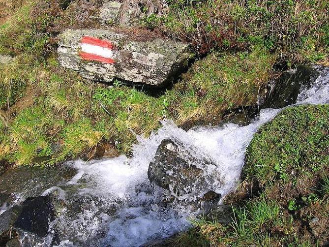Foto: Andreas Koller / Wander Tour / Gmeineck - Trebesinger Hausberg (2592 m) / Originelle Routenführung entlang eines Baches / 02.06.2008 21:27:23