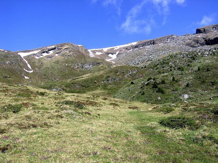 Foto: Andreas Koller / Wander Tour / Gmeineck - Trebesinger Hausberg (2592 m) / In diesem weiten Kar erfolgt der Aufstieg von rechts nach links / 02.06.2008 21:25:27