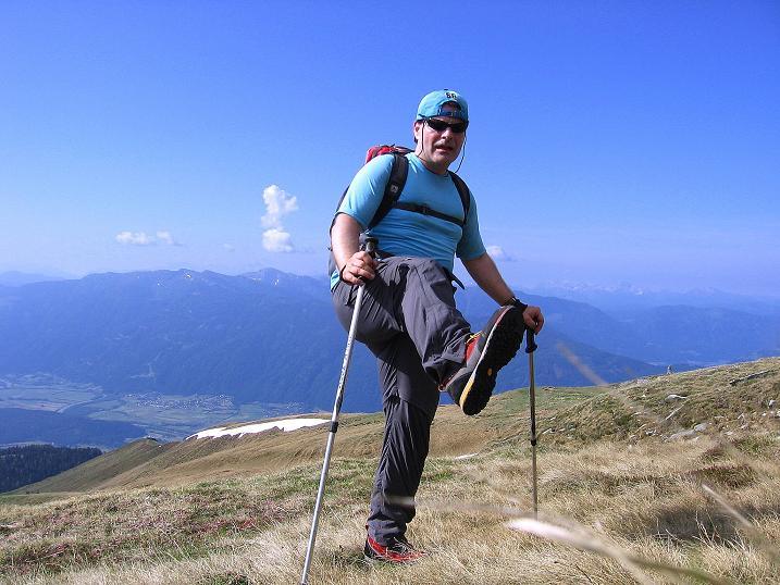 Foto: Andreas Koller / Wander Tour / Gmeineck - Trebesinger Hausberg (2592 m) / Hoch über Spittal / Drau am Gmeineck unterwegs / 02.06.2008 21:23:27