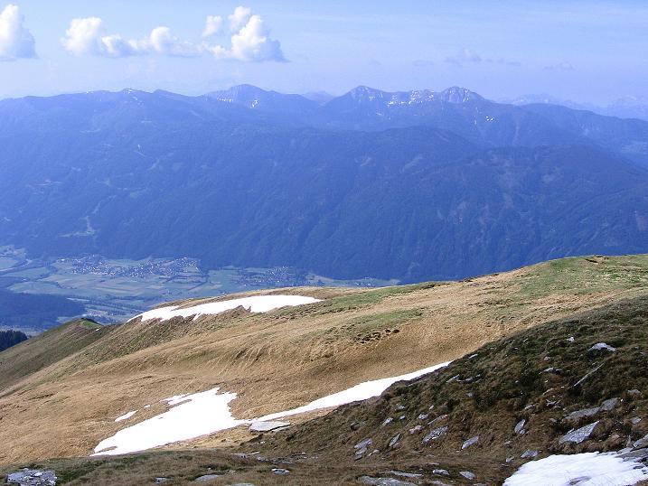 Foto: Andreas Koller / Wander Tour / Gmeineck - Trebesinger Hausberg (2592 m) / Blick nach S zum Goldeck (2122 m) und zum Latschur (2236 m) / 02.06.2008 21:22:25