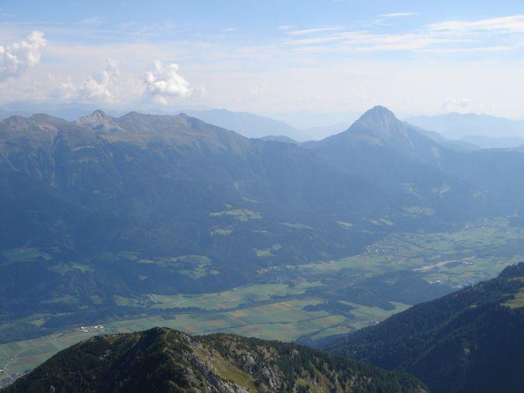 Foto: Manfred Karl / Wander Tour / Polinik über die Spielbodenalmen / Gailtal und Reißkofel / 02.06.2008 22:49:04