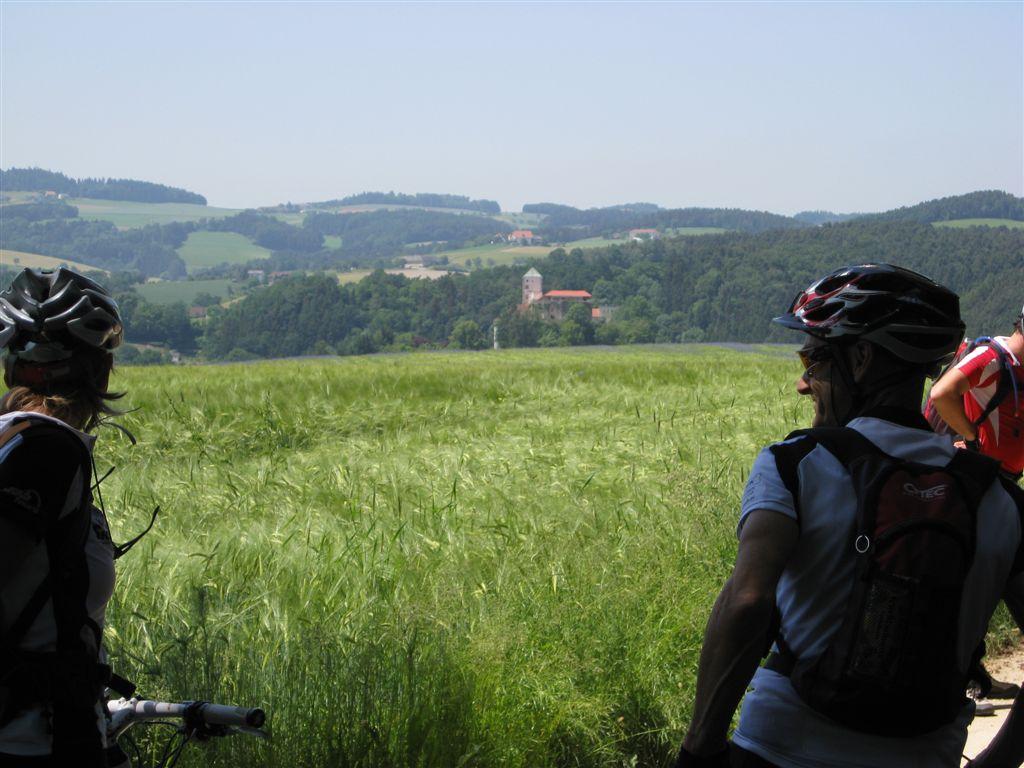 Foto: Jürgen Lindlbauer / Mountainbike Tour / Von Summerau nach Linz / Schloss Riedegg / 02.06.2008 23:08:09