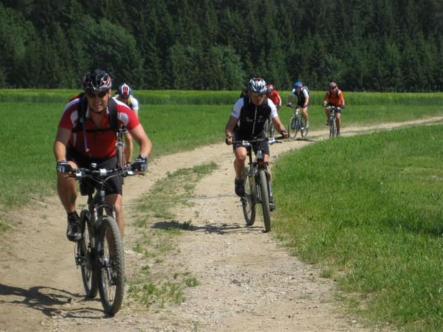 Foto: Jürgen Lindlbauer / Mountainbike Tour / Von Summerau nach Linz / Anstieg nach Möhringdorf / 02.06.2008 23:16:51