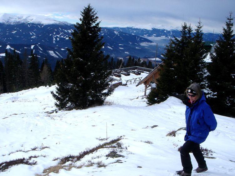 Foto: Manfred Karl / Wander Tour / Steinplan vom Oberkamper / Wenn es sonnig und warm ist - ein herrlicher Aussichtsplatz: Das Steinplanhaus / 03.06.2008 07:36:08