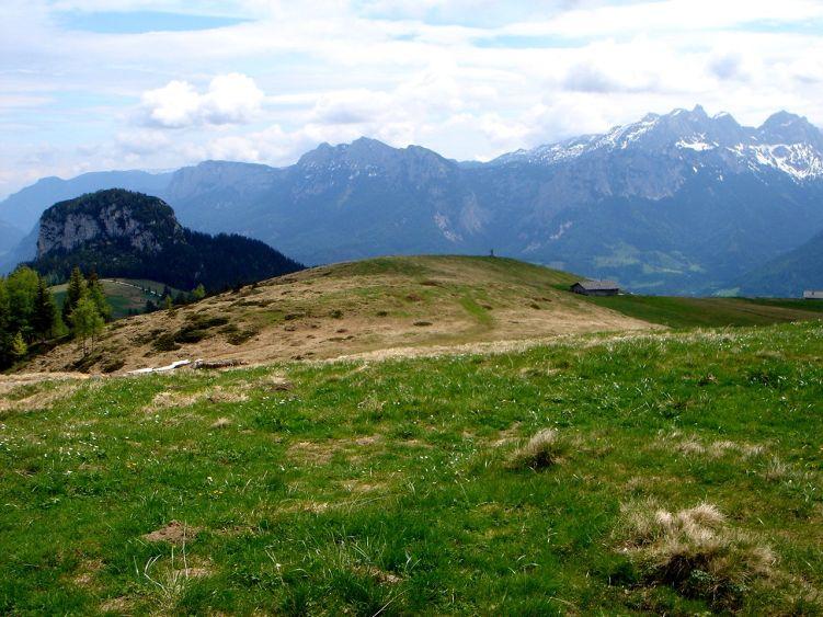 Foto: Manfred Karl / Wander Tour / Vom Soderbauer auf das Schwarzeck / Dietrichshorn, im Hintergrund Reiteralpe und Häuslhörner - Stadelhorn / 03.06.2008 08:34:10
