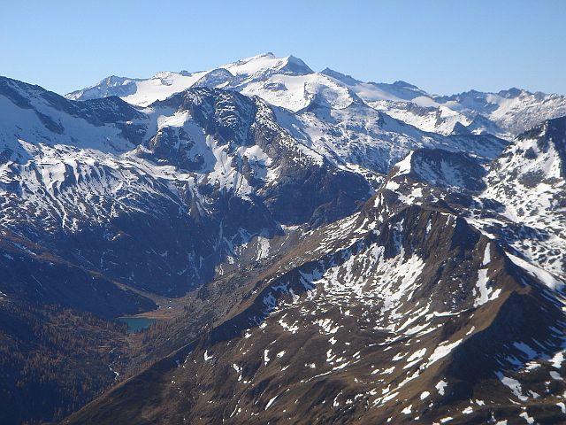 Foto: Manfred Karl / Wander Tour / Weißeck aus dem Riedingtal / Mächtiger Gipfel am Horizont: Die Hochalmspitze / 03.06.2008 19:49:43