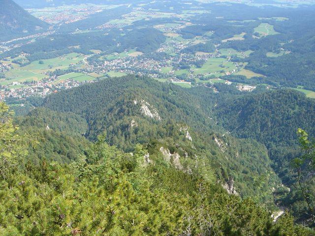 Foto: Manfred Karl / Wander Tour / Alpgartental Umrahmung / Blick zurück auf den Anstiegsweg / 05.06.2008 17:27:41