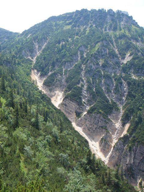 Foto: Manfred Karl / Wander Tour / Alpgartental Umrahmung / Blick zum Predigtstuhl, über dessen linke steile Flanke der Abstieg führt. / 05.06.2008 17:16:39