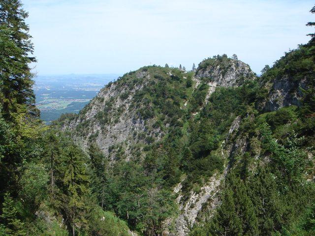 Foto: Manfred Karl / Wander Tour / Alpgartental Umrahmung / Es zieht sich noch, bis man den letzten Gegenanstieg vor dem Dötzenkopf hinter sich hat. / 05.06.2008 17:14:30