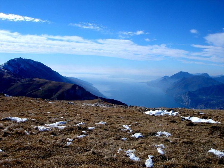 Foto: Manfred Karl / Wander Tour / Auf einen Aussichtsberg der Extraklasse – Monte Altissimo di Nago / Gardasee / 05.06.2008 20:49:19