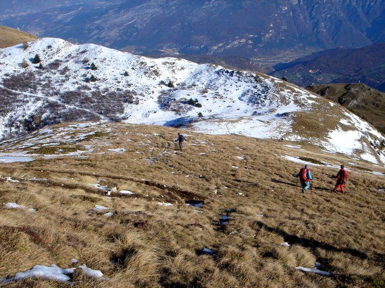 Foto: Manfred Karl / Wander Tour / Auf einen Aussichtsberg der Extraklasse – Monte Altissimo di Nago / Abstieg zur Bocca Paltrane / 05.06.2008 20:40:03