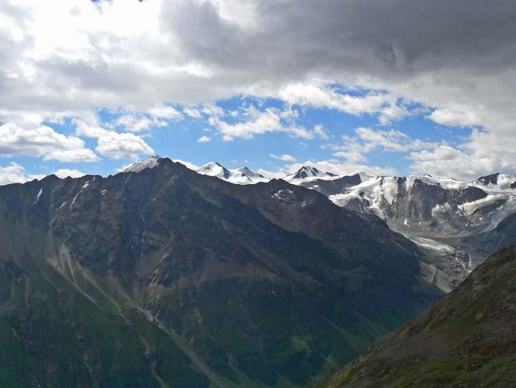 Foto: vince 51 / Wander Tour / Von Mandarfen auf den Grubengrat / Blick ins Taschachtal mit Wildspitze / 06.06.2008 22:43:50