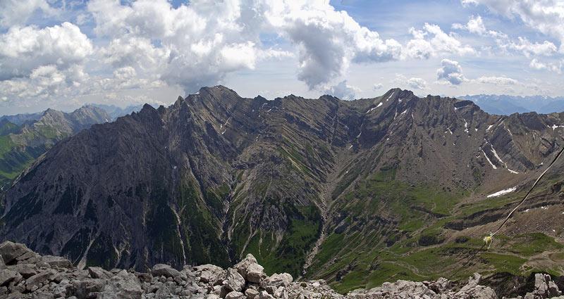 Foto: vince 51 / Wander Tour / Von Pfafflar auf die Reichspitze / Blick nach Osten zum Muttekopf 2777m / 07.06.2008 19:05:38