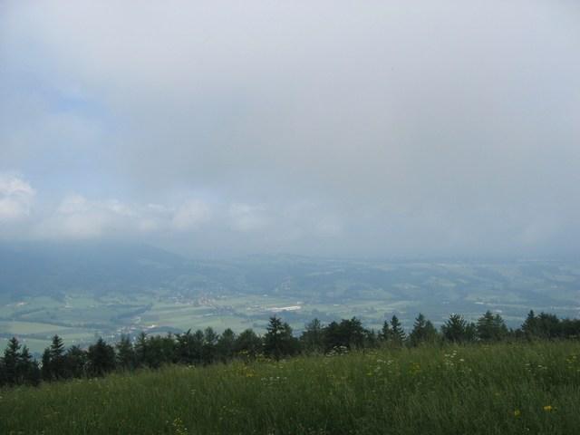 Foto: Jürgen Lindlbauer / Mountainbike Tour / Auf den Grillenparz und Pernecker Kogel  / Von Grillenparz mit Blick auf den Perneckerkogel, der sich noch hinter den Wolken versteckt / 08.06.2008 09:18:00