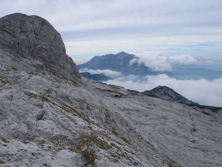 Foto: Manfred Karl / Wander Tour / Knallstein über die Stefan Schatzl Hütte / Blick zu den Berchtesgadener Alpen (Göllstock) / 08.06.2008 19:48:28