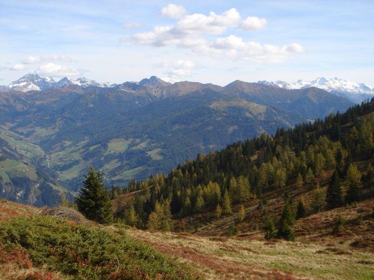 Foto: Manfred Karl / Wander Tour / Auf dem Hias Wallner Steig zum Haßeck / Radstädter Tauern, rechts Ankogelgruppe / 14.06.2008 16:42:32
