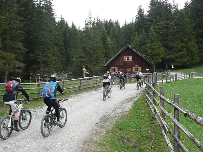 Foto: Lenswork.at / Ch. Streili / Mountainbike Tour / Von Weißpriach zum Wirpitschsee (1699m) / kurz vor der Ulnhütte / 13.06.2008 11:17:25