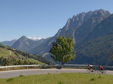 Foto: Romana Koeroesi / Rad Tour / Tour Trans Austria 2008 / Lienz - Hermagor, Pustertaler Höhenstraße; copyright Uwe Geissler / 17.06.2008 12:06:38