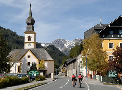 Foto: Romana Koeroesi / Rad Tour / Tour Trans Austria 2008 / St. Michael - Ramsau am Dachstein, Tauernpass; copyright Uwe Geissler / 17.06.2008 12:08:02