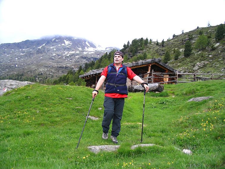 Foto: Andreas Koller / Wander Tour / Über die Pilsbergalm auf den Soyspitz (3030 m) / Rast auf der Pilsbergalm / 17.06.2008 17:28:17