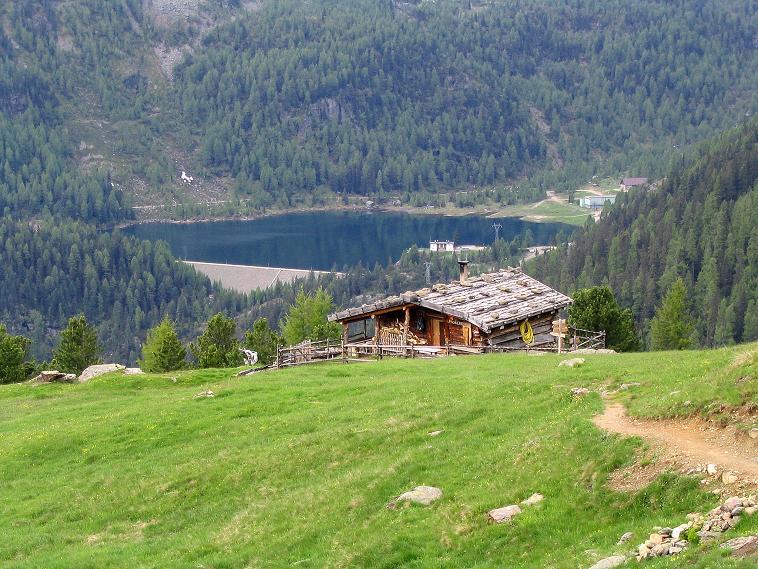 Foto: Andreas Koller / Wander Tour / Über die Pilsbergalm auf den Soyspitz (3030 m) / Rückblick auf die Äußere Pilsbergalm und den Weißbrunnsee / 17.06.2008 17:27:12