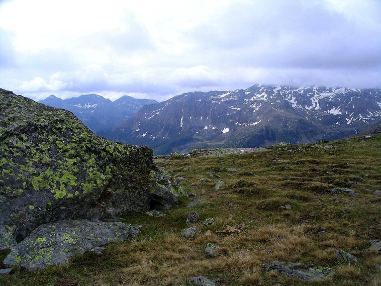 Foto: Andreas Koller / Wander Tour / Über die Pilsbergalm auf den Soyspitz (3030 m) / Blick nach O / 17.06.2008 17:25:14