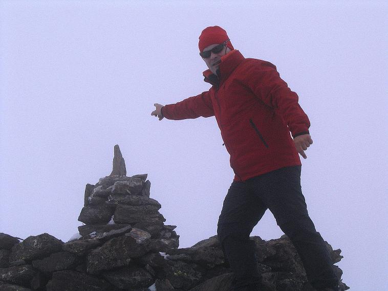 Foto: Andreas Koller / Wander Tour / Über die Pilsbergalm auf den Soyspitz (3030 m) / Beim Gipfelsteinmann / 17.06.2008 17:21:50