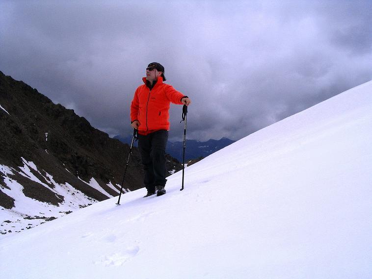 Foto: Andreas Koller / Wander Tour / Über die Pilsbergalm auf den Soyspitz (3030 m) / Auf den Hängen im direkten Abstieg in den Kessel unterhalb der Soyscharte / 17.06.2008 17:20:37