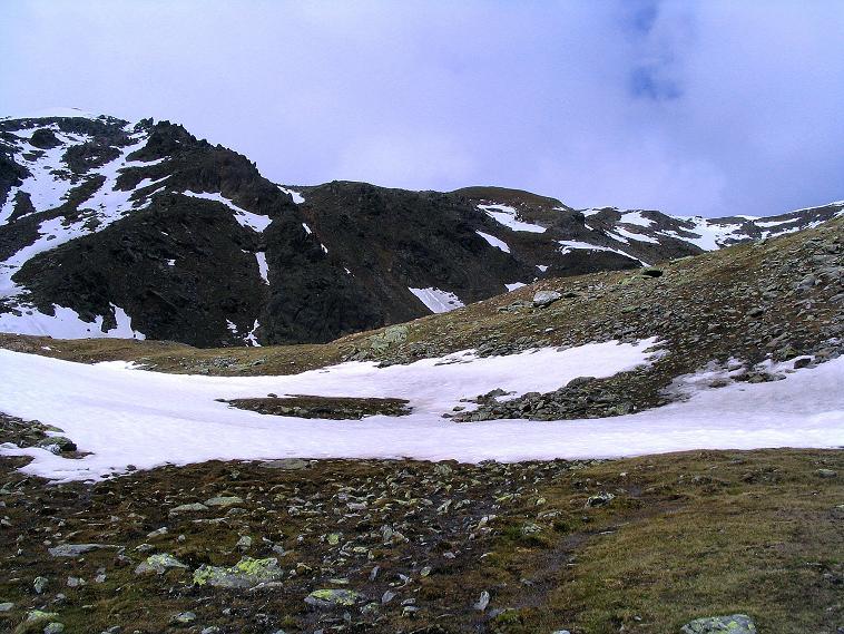Foto: Andreas Koller / Wander Tour / Über die Pilsbergalm auf den Soyspitz (3030 m) / Links der Soyspitz, rechts die Soyscharte / 17.06.2008 17:18:03
