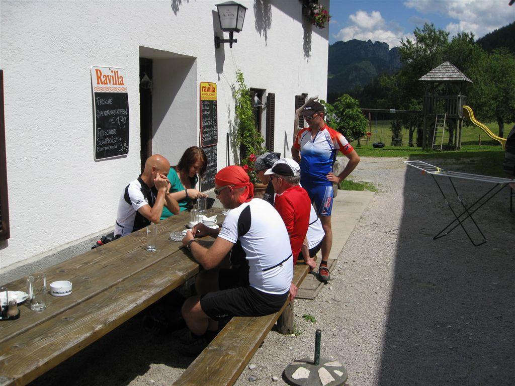 Foto: Jürgen Lindlbauer / Mountainbike Tour / Von Windischgarsten über Spital a. Pyhrn auf den Hengstpaß / Rast bei der Egglalm / 22.06.2008 20:27:08