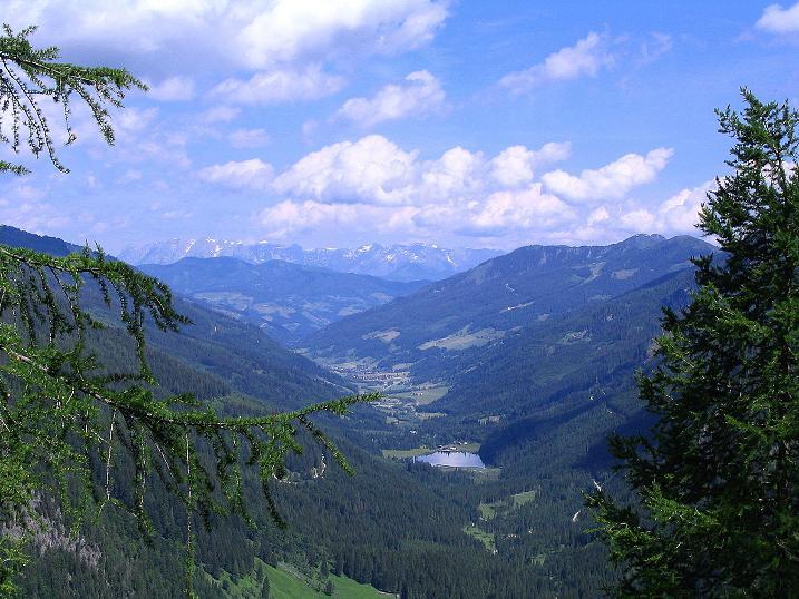 Foto: Andreas Koller / Wander Tour / Tappenkarseehütte - Weißgrubenkopf - Franz Fischerhütte (2369m) / Blick ins Kleinarltal und zum Jägersee / 24.06.2008 16:33:12