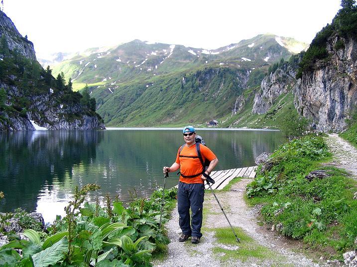 Foto: Andreas Koller / Wander Tour / Tappenkarseehütte - Weißgrubenkopf - Franz Fischerhütte (2369m) / Wandern am Ufer des Tappenkarsees / 24.06.2008 16:32:23