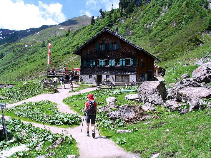 Foto: Andreas Koller / Wander Tour / Tappenkarseehütte - Weißgrubenkopf - Franz Fischerhütte (2369m) / Die Tappenkarseealm / 24.06.2008 16:31:41