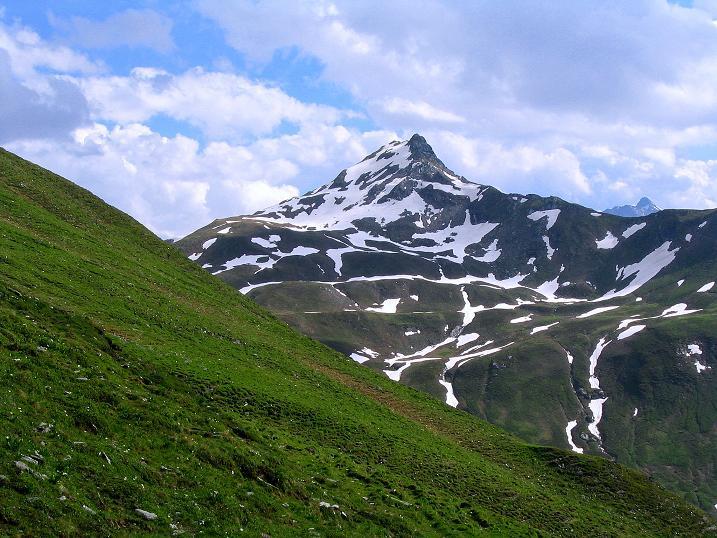 Foto: Andreas Koller / Wander Tour / Tappenkarseehütte - Weißgrubenkopf - Franz Fischerhütte (2369m) / Die Glingspitze von der Weißgrubenscharte / 24.06.2008 16:16:14