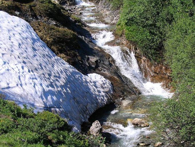 Foto: Andreas Koller / Wander Tour / Glingspitze und Rifflgrat (2433 m) / Einer der vielen Bäche im Tappenkar / 24.06.2008 18:14:20