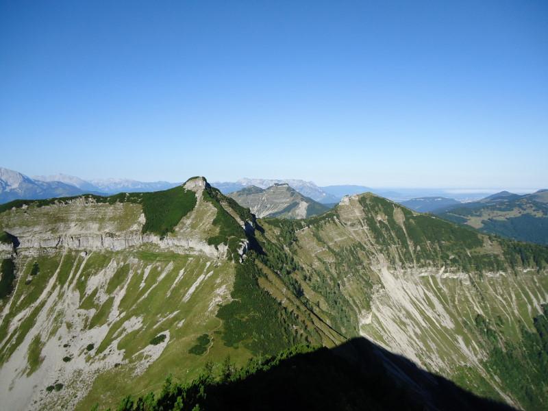 Foto: Günter Siegl / Wander Tour / Genner - Runde / links Gruberhorn, rechts Regenspitz, mittig Schmittenstein und Schlenken / 26.09.2014 18:34:56