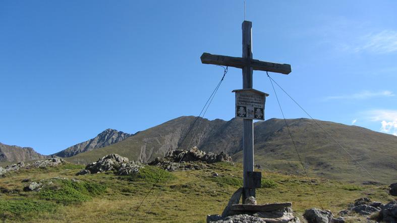 Foto: kathy120385 / Wander Tour / Von Lessach über den Lachriegel auf die Golzhöhe / Lachriegel 2.125m mit der Golzhöhe im Hintergrund / 18.08.2012 09:26:37