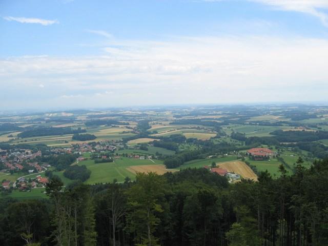 Foto: Jürgen Lindlbauer / Mountainbike Tour / Von Pichl bei Wels in den Hausruckwald und retour / Blick nach Pichl, in unsere Heimat / 13.07.2008 12:42:17