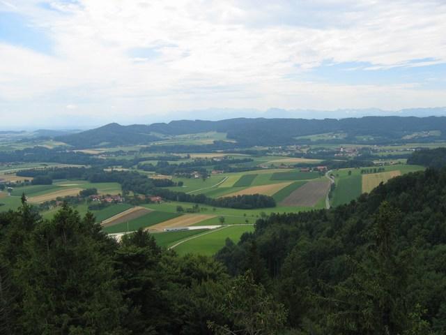 Foto: Jürgen Lindlbauer / Mountainbike Tour / Von Pichl bei Wels in den Hausruckwald und retour / Blick Richtung Geboltskirchen<br> / 13.07.2008 12:41:17