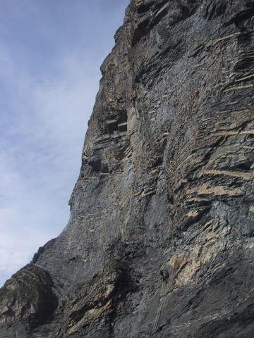 Foto: Wolfgang Lauschensky / Klettersteig Tour / Klettersteig Gemmi - Daubenhorn / lange Leiterpassagen unter der Höhle / 06.10.2011 01:01:26