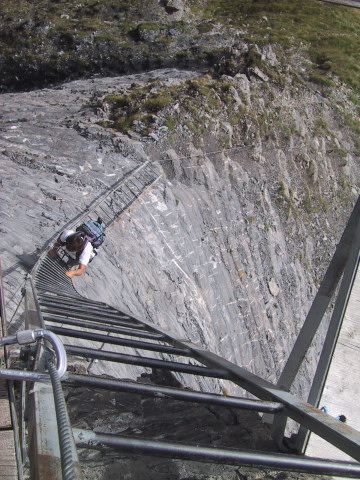 Foto: Wolfgang Lauschensky / Klettersteig Tour / Klettersteig Gemmi - Daubenhorn / lange Leiter / 06.10.2011 01:01:00