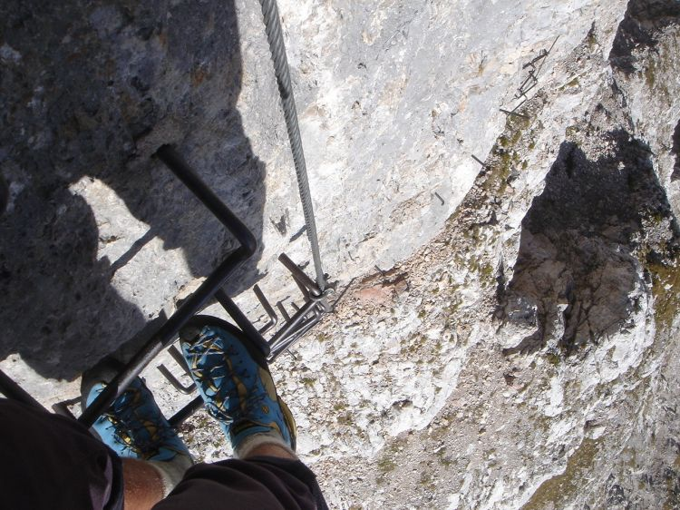 Foto: Manfred Karl / Klettersteig Tour / Civetta Überschreitung - Via ferrata degli Alleghesi und Abstieg über Via ferrata Attilio Tissi / Das erste sehr steile Stück / 19.07.2008 14:29:26