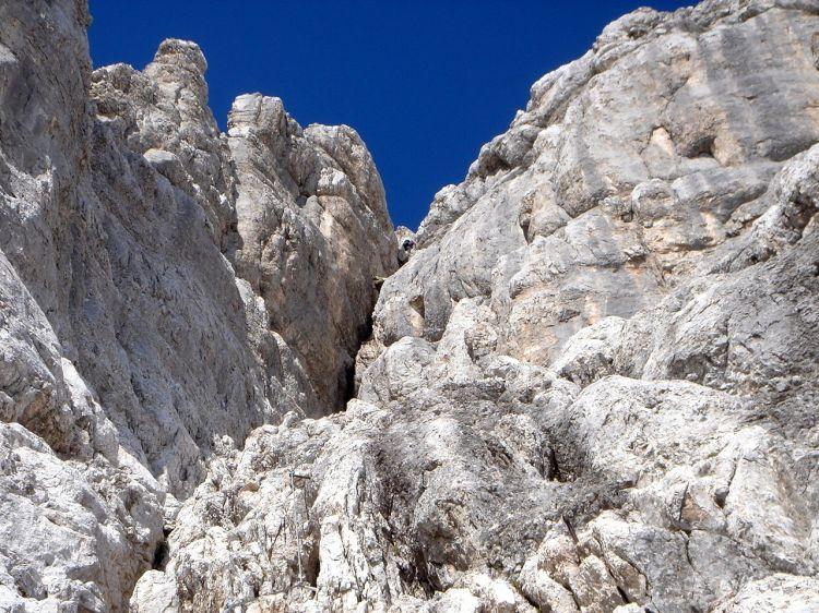 Foto: Manfred Karl / Klettersteig Tour / Civetta Überschreitung - Via ferrata degli Alleghesi und Abstieg über Via ferrata Attilio Tissi / Der große Kamin / 19.07.2008 14:26:20