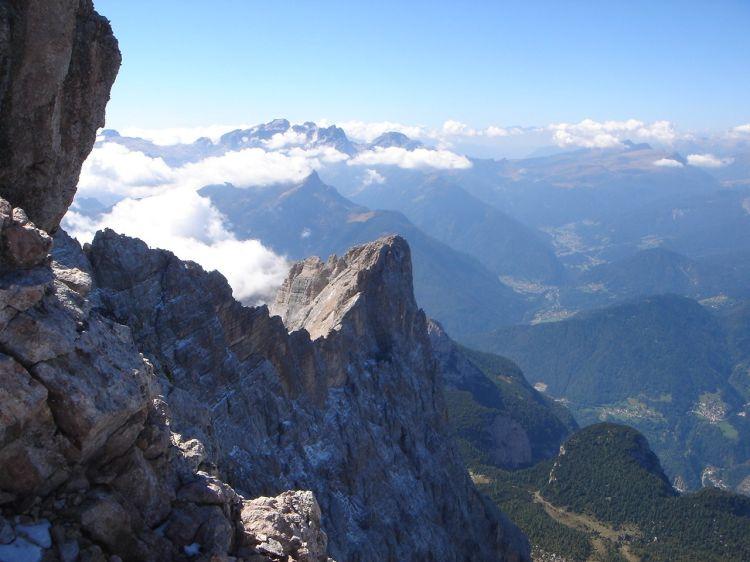 Foto: Manfred Karl / Klettersteig Tour / Civetta Überschreitung - Via ferrata degli Alleghesi und Abstieg über Via ferrata Attilio Tissi / Einblick in den obersten Teil der Nordwestwand / 19.07.2008 14:20:16