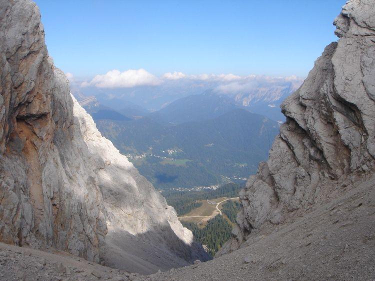 Foto: Manfred Karl / Klettersteig Tour / Civetta Überschreitung - Via ferrata degli Alleghesi und Abstieg über Via ferrata Attilio Tissi / Unterhalb der Forcella delle Sasse / 19.07.2008 14:07:06